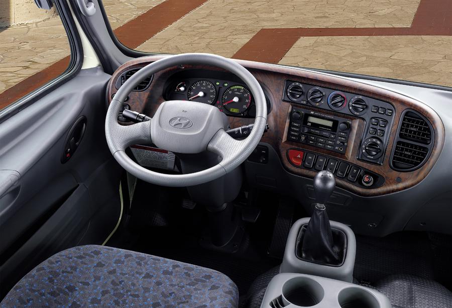 Hyundai-HD-120-salon